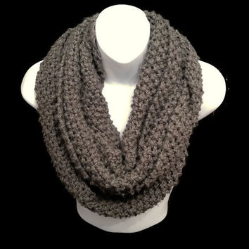 Chunky INFINITY SCARF Chunky Knit, Circle Cowl Scarf for Winter, Grey Scarf, Knit Snood, Knitted Scarf Gift For Her