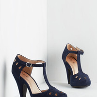 Vintage Inspired, 20s, 30s, Scholastic Dynamic Debut Heel in Navy