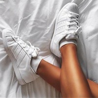 DCK7YE Adidas' Superstar Shell toe All White Casual Sneakers