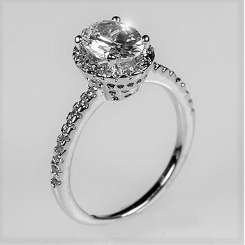 Laveda1.8ct  Oval Halo Solitaire Engagement Ring | 2.8ct