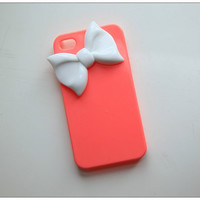 Bright Pink iPhone 5 case with white color bow
