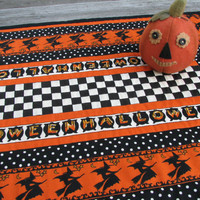Halloween Table Runner, Quilted Table Runner, Halloween Decor