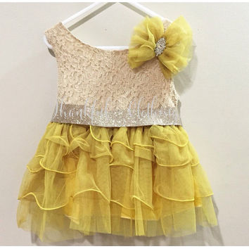 Flower Girl Dress, Lace dress, Fall Dresses for Girls, Tulle Dress, Junior Bridesmaids dress, Country Flower Girl Dress, Vintage Flower Girl