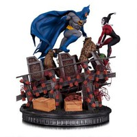 Batman Vs. Harley Quinn Battle Statue |