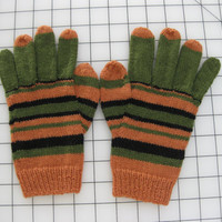 Kit to Make Hand Knit Coraline Gloves