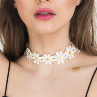Womens White Daisy Choker Necklace