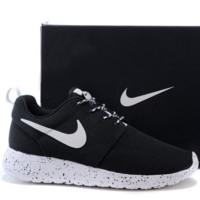 Nike roshe run couple light sports leisure net surface breathable Olympic running shoes Black (white starry sky soles)