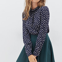 FOREVER 21 Pintucked Floral Blouse Navy/Multi