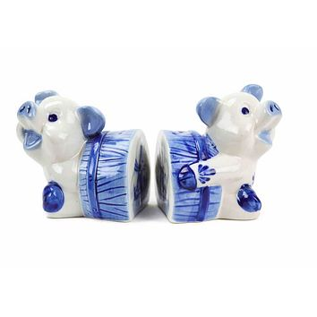 Blue and White Salt and Pepper Pigs