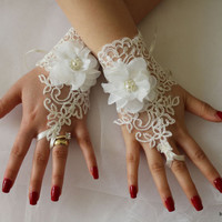 Wedding Gloves,İvory Lace Gloves,Bridal Goves,Mittens,Bridal Fingerles GlovesCostuöe Gloves,Bridal Acessoriess