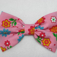 Pink Flower Bow Hair Clip - 1970s Style hippie boho hipster bow Floral print fabric bow floral hair bow tea party bow pink flower bow clip
