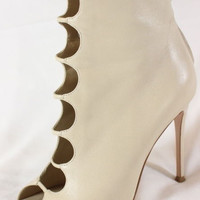 """~~~ RAZZLE-DAZZLE!!! ~~~ GIANVITO ROSSI NUDE LEATHER """"CUT OUT"""" BOOTIES ~ 36.5"""