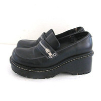 vintage black loafers. chunky heel loafers. modern slip ons. women's shoes size 8