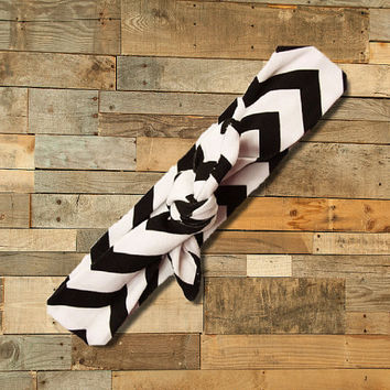 Black & White Chevron Knotted Headband