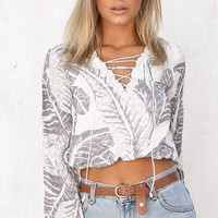 Printed V-Neck Long-Sleeved Shirt B0013996