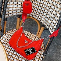 PRADA 2020 New Nylon Suit  Retro Hobo-Underarm Bag-Leisure-Crescent Crossbody Bag Red