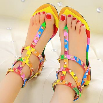 Fashionable casual flat clip toe Roman rivet sandals