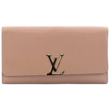 Louis Vuitton Louise Clutch Patent East West