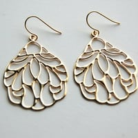 Gold Flow Earrings, gift, mother, sister, friend, anniversary gift, wedding, bridal, bridesmaid, everyday