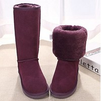 U UGG boots are popular with couples in winter fashion Purple