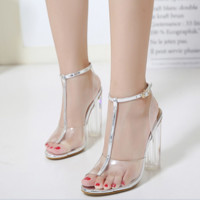 Hot style sells PVC sandals with transparent thick heels and high heels