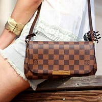 LV Bag Small Rectangle Louis Vuitton Chain Shoulder Bag Bag Trending Bag Coffee Tartan
