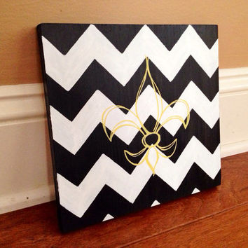 Customizable Fleur De Lis and Chevron Wood Sign, Stained and Hand Painted, Personalize, Home decor