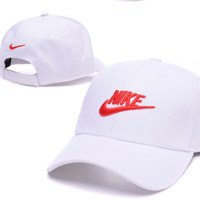 Nike Hook Embroidered Adjustable Outdoor Baseball Cap Hats-white