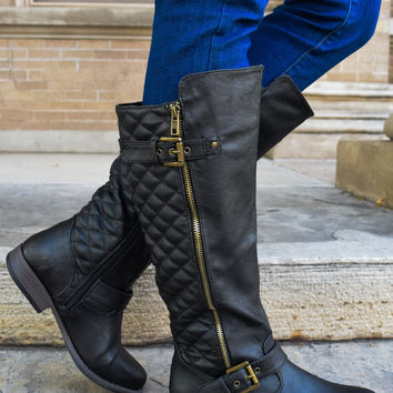 Jet Set Quilted Boots Black