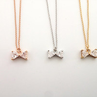 Bow Necklace - Delicate everyday jewelry