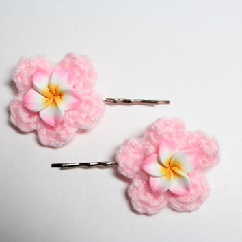 Pink flower hair pin/ Pink Plumeria bobby pins/ Crochet flower hair accessory.