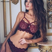 Sexy New Women Underwear Bra Sexy Lingerie G-string Nightwear Lace Pajama Sets Clothes Sets 2018 Hot Sale Plus Size