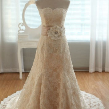 Vintage Inspired French Corded Lace Wedding Dress Strapless Sweetheart A LINE Mermaid with Train Flower Sash Corset Bridal Gown