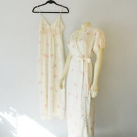 Vintage Nightgown & Dressing Gown Robe RARE La Femme Vanity Fair Delicate Floral Gown and Peignoir Size 32 Modern XS XXS