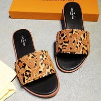 Bunchsun LV New fashion monogram leopard print shoes flip flop slippers