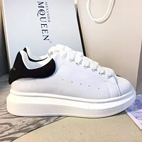 Alexander McQueen Classic Popular Woman Men Leisure Flat Sport Shoes Sneakers(Black Tail) 1