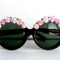 Light Pink Pink and White Flower/Rose Black Circle by thedaisies