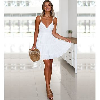 Explosion models low-cut V-neck strapless lace dress holiday beach skirt white