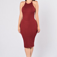 Turn Around Dress - Burgundy