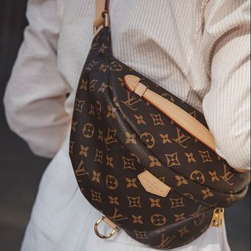 LV Louis Vuitton hot sale embossed letters men and women diagonal bag waist bag
