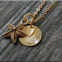 Gold Starfish Charm Necklace, Initial Charm Necklace, Personalized, Sea Creature Charm, Starfish Pendant, Ocean Jewelry, Beach charm