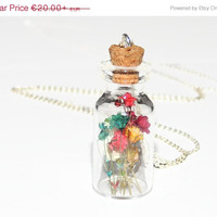 BLACK FRIDAY SALE Real flower glass vial pendant, dried flower glass bottle necklace, terrarium necklace, real flower jewelry, boho chic, ec