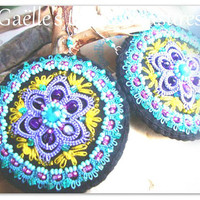 Embroidered earrings 'Turquoise Mandala Joy' with tatted lace