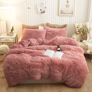 XeGe Plush Shaggy Duvet Cover Set Luxury Ultra Soft Crystal Velvet Bedding Sets 3 Pieces(1 Faux Fur Duvet Cover + 2 Faux Fur Pillowcases),Zipper Closure(Queen,Old Pink) Queen Old Pink