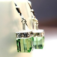 8DESS Exquisite Earrings Fashion Jewelry Sterling Silver Natural Green Emerald Gemstones Hook Earring