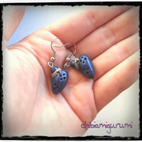 Ocarina earrings charm chibi in polymer clay inspired from The Legend of Zelda's Nintendo videogame
