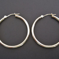 Classic Leverback 14K Yellow Gold Hoop Earrings 1.25 Inches
