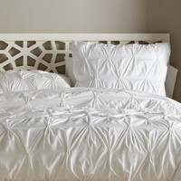 Organic Cotton Pintuck Duvet Cover + Shams - White