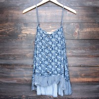damask print ruffle hem hi low tank top in navy
