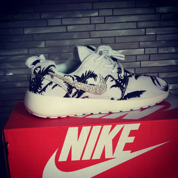 Palm tree roshe runs
